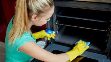 limpiar-el-horno