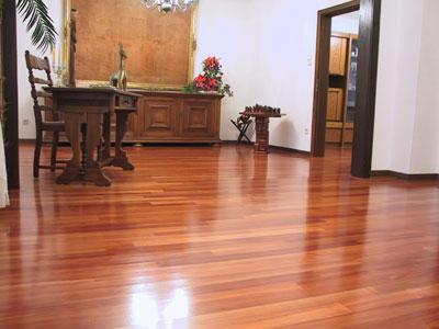 Como limpiar pisos de madera?