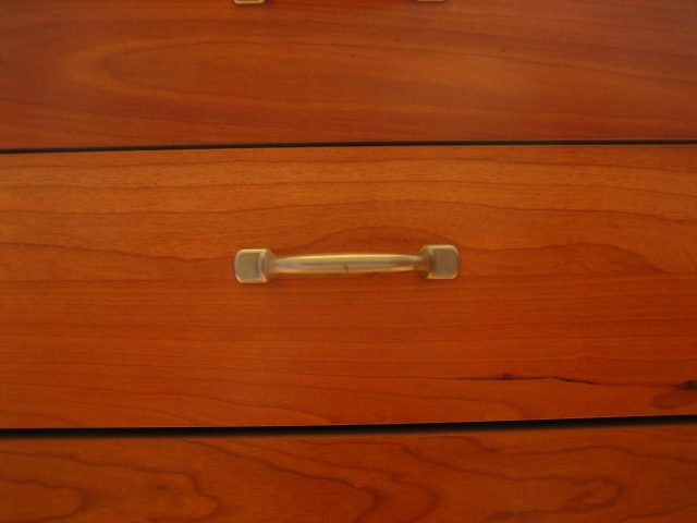 Como limpiar los muebles de madera elegant trucos para - Limpiar muebles de madera ...