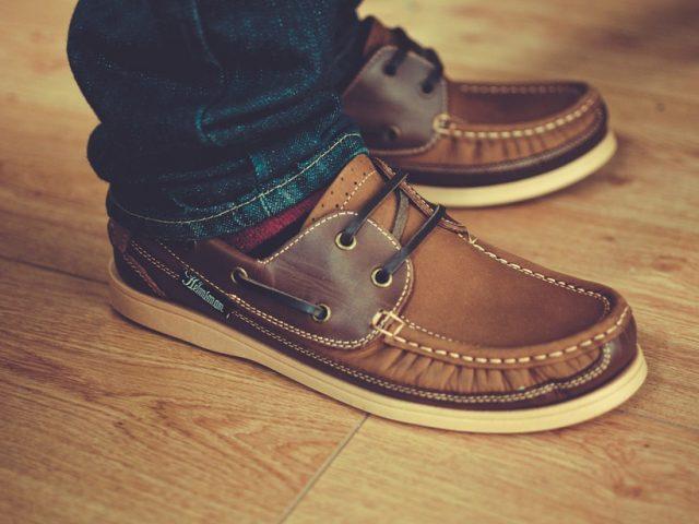 ef5a1708 Cómo limpiar y lustrar zapatos de cuero?