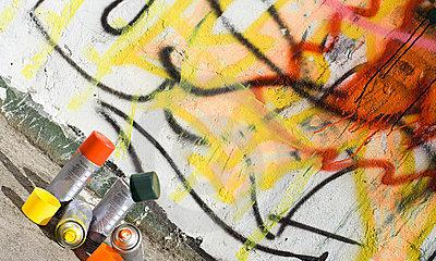 C mo limpiar pintura en aerosol de las paredes - Como limpiar grafitis ...