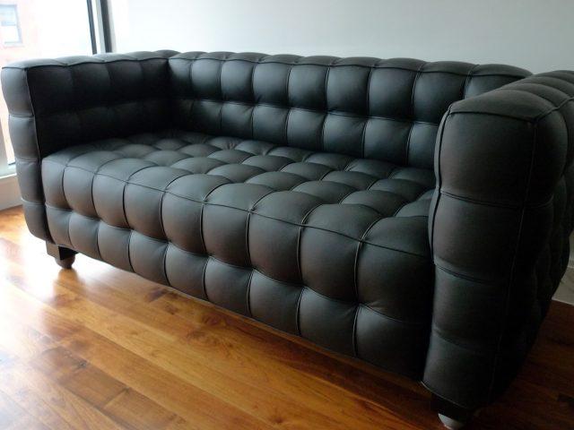 Limpiar sofa affordable como limpiar manchas del sof with - Como limpiar un sofa de piel blanco ...