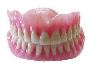 Cómo limpiar una prótesis dental?