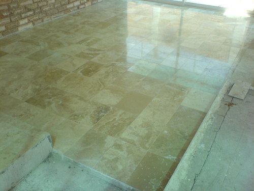 C mo limpiar suelos de marmol for Marmol para suelos