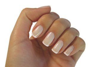 Cómo limpar las uñas?