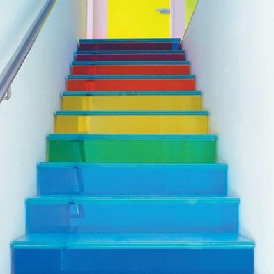 Como limpiar escaleras con pintura de alto tr fico - Pintura para escaleras ...