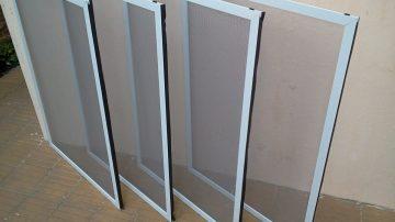 mosquitero-de-aluminio-blanco