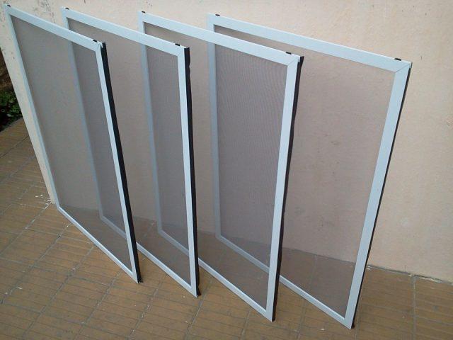C mo limpiar un mosquitero de la ventana - Como limpiar aluminio oxidado ...