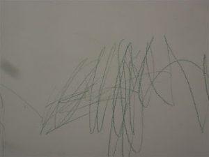 Cómo limpiar rayaduras en las paredes blancas?