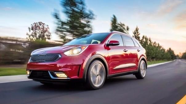 Cómo limpiar la válvula de aire de un auto?