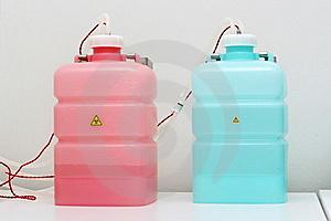 Cómo limpia el Agua destilada?