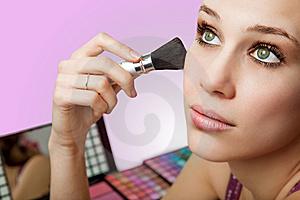 Como limpiar las brochas de maquillaje?