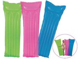 Cómo limpiar los artículos inflables de piscina?