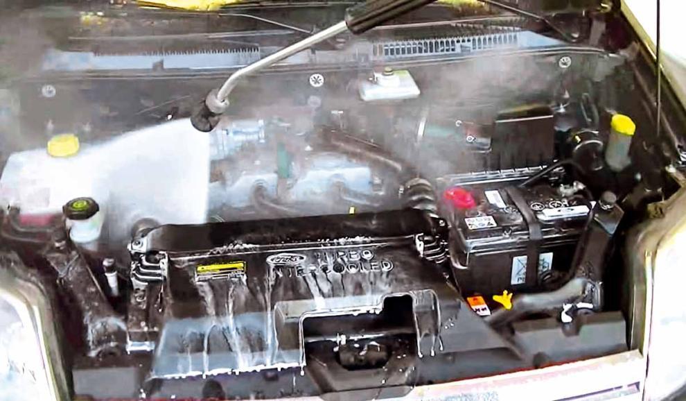 C mo limpiar el motor de un auto for Como lavar el motor de un carro
