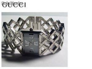 Cómo limpiar o lavar un reloj Gucci?