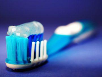 como lavarse los dientes