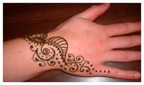 Cómo limpiar/quitar un tatuaje de henna?