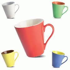 Cómo limpiar las tazas manchadas con té?