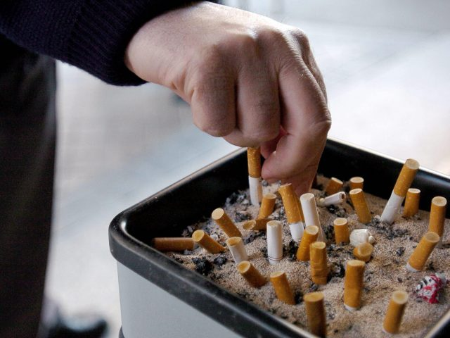 C mo limpiar el olor a tabaco de tu casa - Como eliminar el olor de tabaco en la casa ...