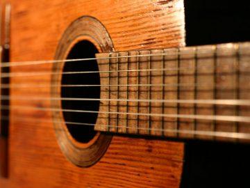 como-limpiar-guitarra-criolla