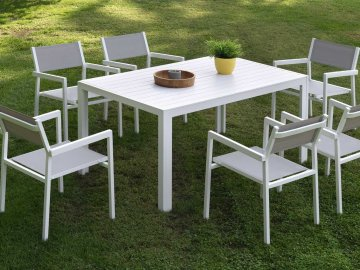 como-limpiar-una-mesa-de-jardin
