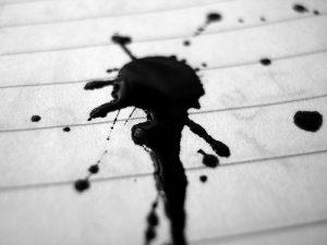 Cómo limpiar una mancha de tinta vieja?