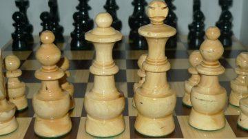 como-limpiar-ajedrez-de-madera
