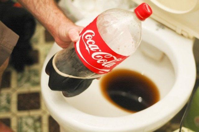Cómo limpiar el inodoro con Coca-Cola o gaseosas?