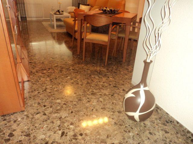 C mo limpiar las manchas de tinta de piso de terrazo - Como quitar manchas del piso de ceramica ...
