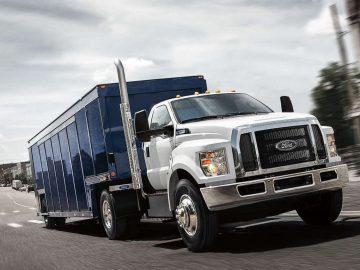 Cómo limpiar la cabina de un camión de carga