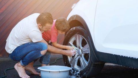 Cómo limpiar las llantas o cauchos de tu carro