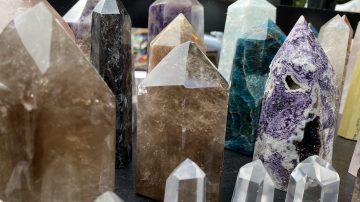 Como limpiar, energizar y recargar cuarzos y piedras